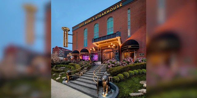 Jeff Ruby's Steakhouse, one of seven locations in Kentucky, Ohio, and Tennessee.