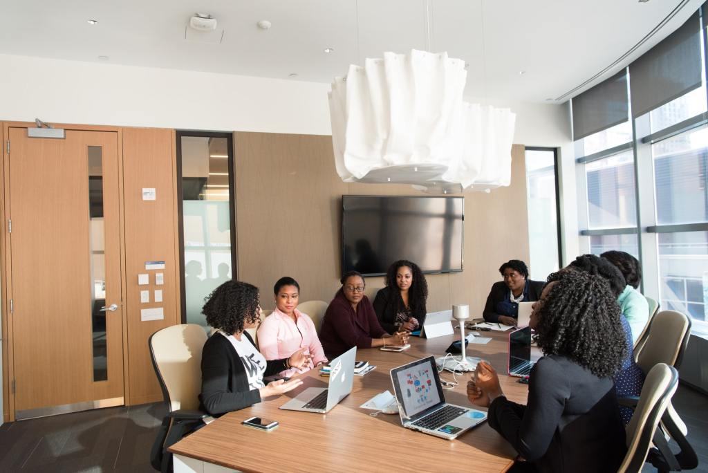 5 Foolproof Tips for Hosting a Successful Business Meeting in Los Angeles