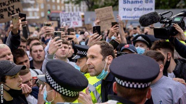 Chelsea legend Petr Cech pleaded with fans to disperse outside the ground
