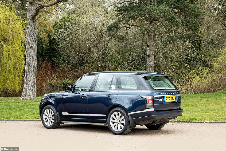 Without doubt, the Royal touch is adding plenty of value to the Range Rover. A Parkers valuation says a 13-plate SDV8 Vogue SE would sell - on average - in a used car dealership for between £24,505 and £25,695 today