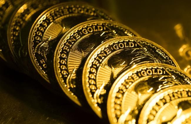Gold Rises as Momentum With Bulls After Best Month Since July