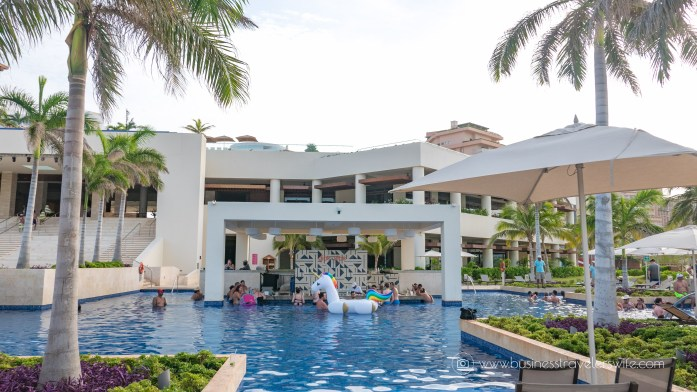 Experience the All-Inclusive Resort at Hyatt Ziva Cancun Dips & Sips