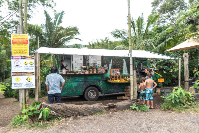 10 Memorable Stops in Road to Hana for A Self-Drive Tour Maui, Hawaii Fruit Stand