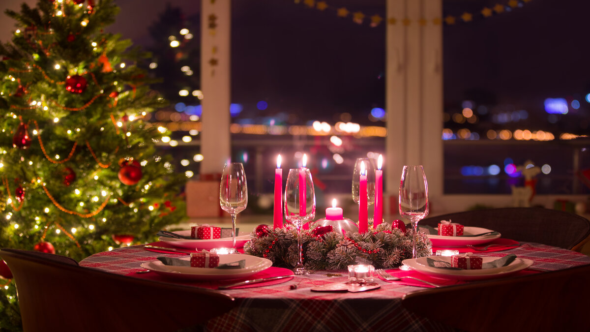 christmas-dinner-table-decorations