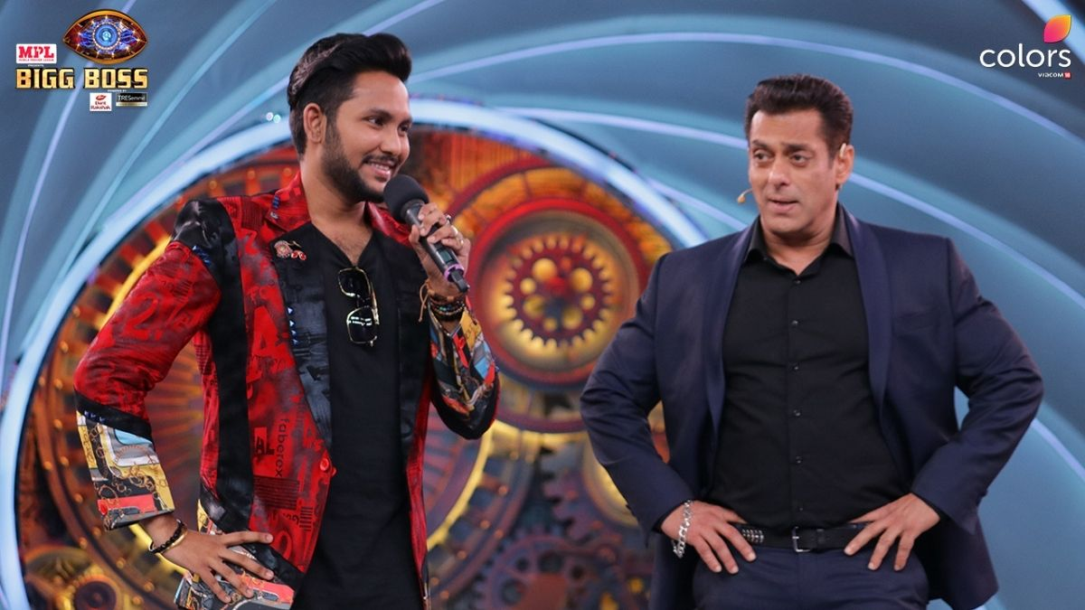Bigg Boss 14: Jaan Kumar graces the stage with his beautiful voice