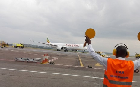 Flights into Entebbe International Airport (EIA) were momentarily put on halt this morning after Ethiopian Airlines Boeing -737- 800 flight number ET388 on a regular service from Addis Ababa to Entebbe, Uganda skidded off the runway by a few meters.