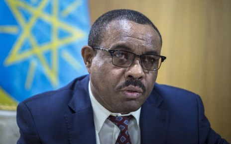 Former Ethiopia Prime Minister, Hailemariam Desalegn has described as exceptional and enormous the investment of the Dangote Group in Africa's oil refining sector and urged other private sector investors to take a cue from the group's investment drive.