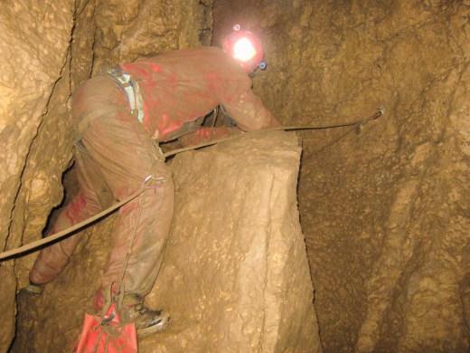 Il tratto acrobatico che immette nel Ramo Verde (foto Compagnia del Budello)