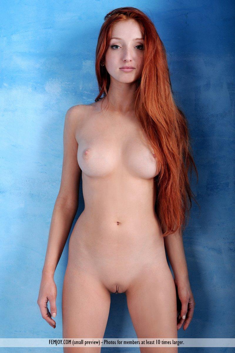 Naked hot scottish babes