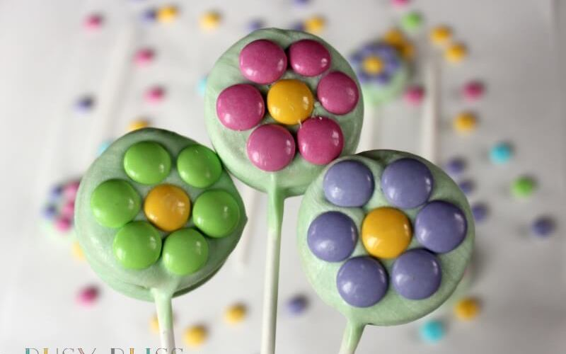 Oreo Cookie Pops That Will Make You Think of Spring