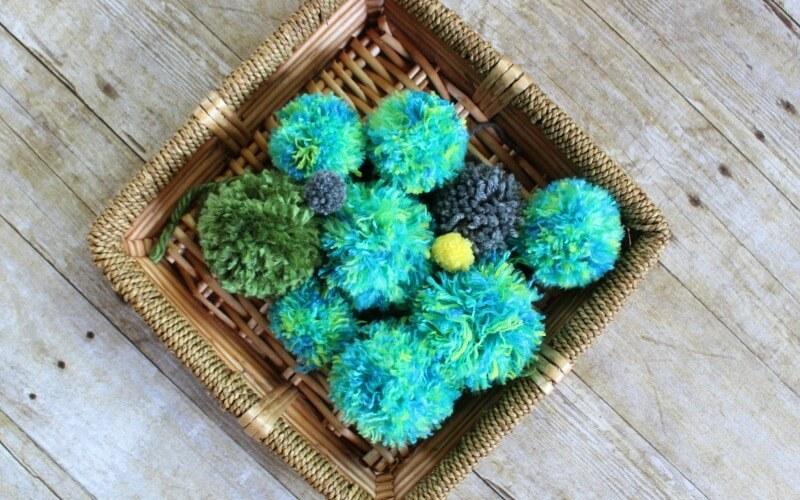 2 Easy Ways to Make a DIY Yarn Pom Pom