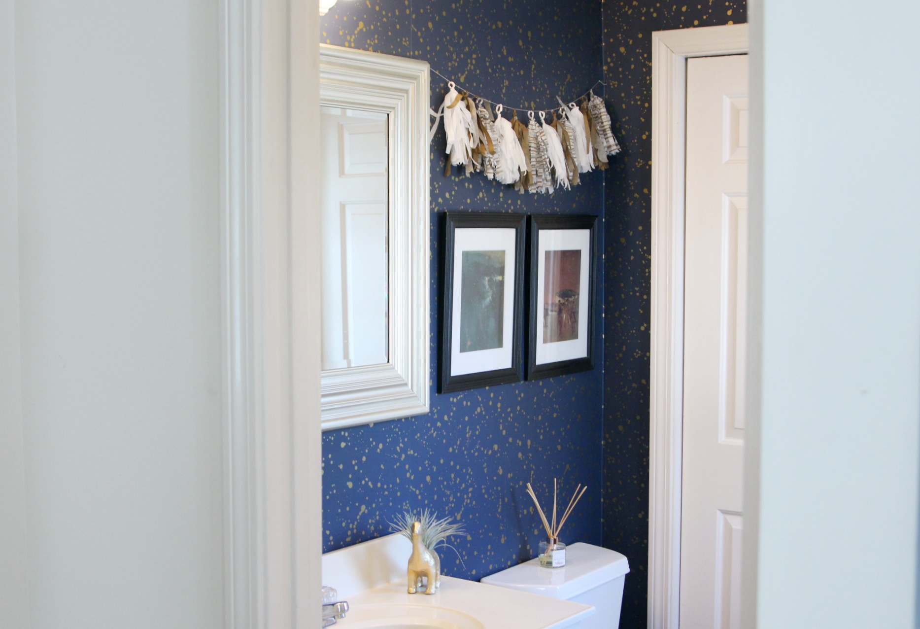 11 Easy Ways To Make Your Rental Bathroom Look Stylish: How To Decorate Your Rental Space? Bathroom Rental Decor
