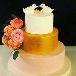 altın yaldız nişan pastası