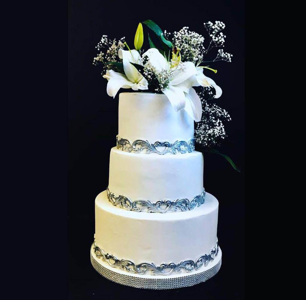 çiçekli nişan pastası