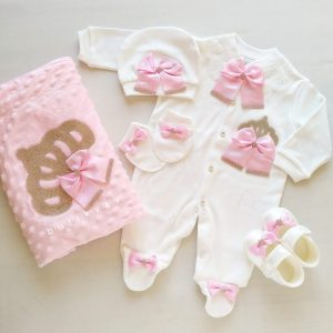 incili tasli suslu kiz bebek 5 li hastane cikisi zibin seti 01 scaled - Kız Bebek Prenses Taç Süslemeli Hastane Çıkışı 1-3 Ay