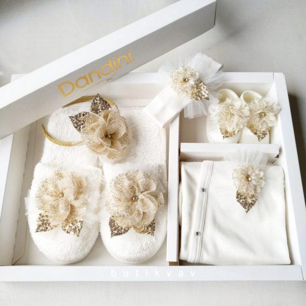 Kız Bebek Çiçek Süslemeli 5li Lohusa Terlik Taç Seti Kopya 01 scaled - Kız Bebek Çiçek Süslemeli 5'li Lohusa Terlik Taç Seti - Gold