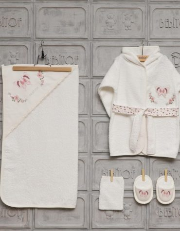Bebitof Kız Bebek Dantelli Tavşan Bornoz Seti Pembe Kopya 01 scaled - Bebitof Kız Bebek Kelebekli Bornoz Seti - Krem