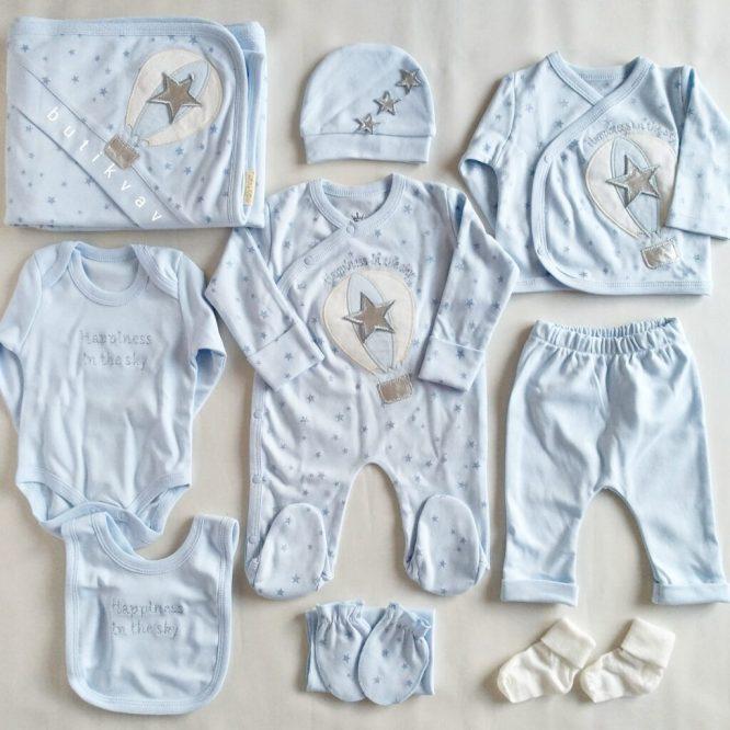 erkek bebek kral taci suslemeli tulumlu lux 10 lu hastane cikisi 03 scaled - Eda Baby Balonlu Tulumlu Lux 10'lu Hastane Çıkışı