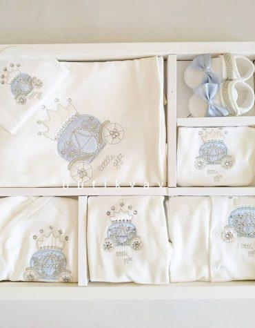 erkek bebek tas suslemeli tulumlu lux 10 lu hastane cikisi 01 scaled - Erkek Bebek Taş Süslemeli Tulumlu Lux 10'lu Hastane Çıkışı