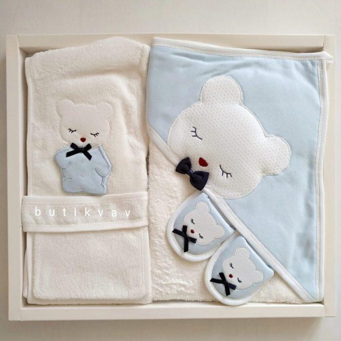 gaye bebe erkek bebek papyonlu ayi bornoz seti mavi 01 scaled - Gaye Bebe Erkek Bebek Papyonlu Ayı Bornoz Seti Mavi