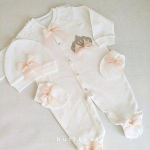 kiz bebek prenses tac suslemeli hastane cikisi 1 3 ay 02 scaled - Kız Bebek Prenses Taç Süslemeli Hastane Çıkışı 1-3 Ay