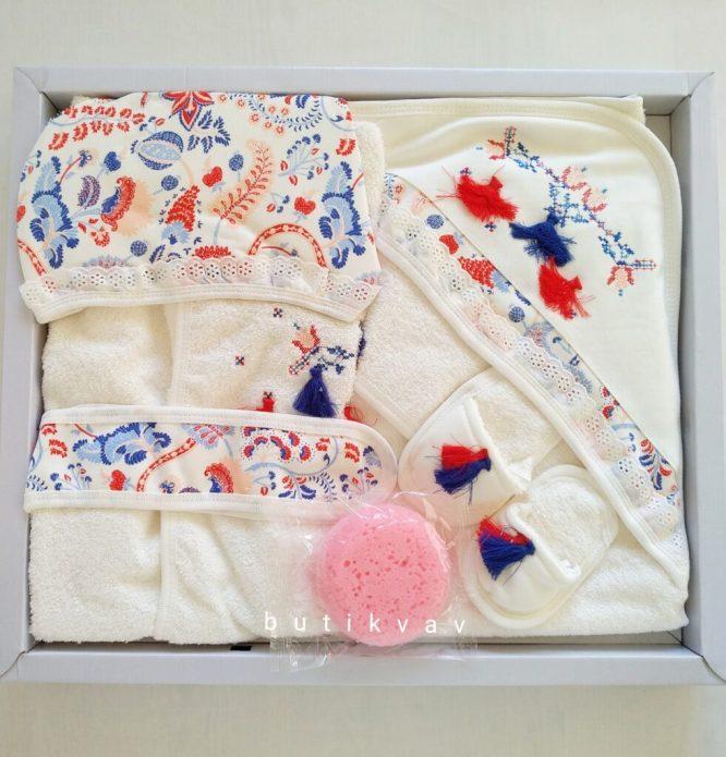 bebitof kiz bebek bebek balonlu tavsan bornoz seti 01 scaled - Kız Bebek Püsküllü Bornoz Seti