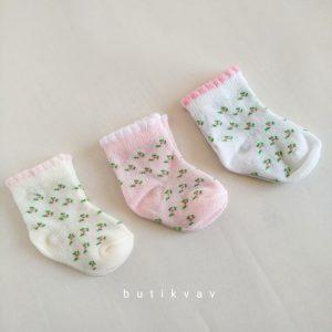 yenidogan kiz bebek pelus panduf 05 scaled - Yenidoğan Kız Bebek 3'lü Çorap