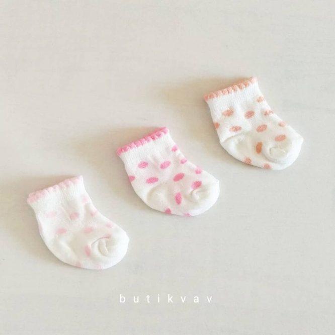 gaye bebe kelebek nakisli yelek 1 3 ay 06 scaled - Kız Bebek Yenidoğan 3'lü Çorap