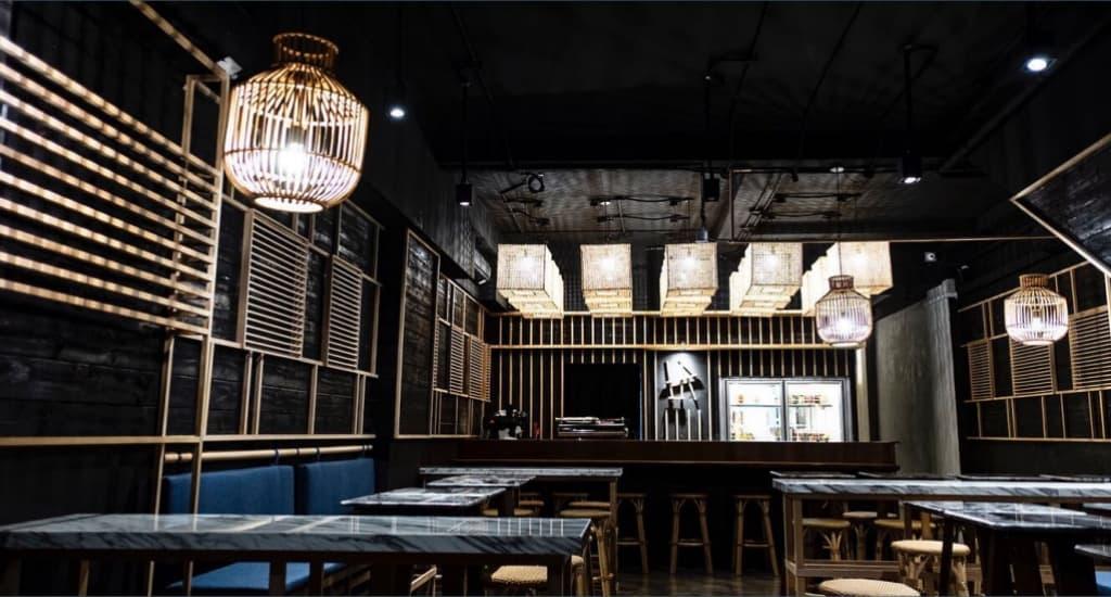 laut bar interior