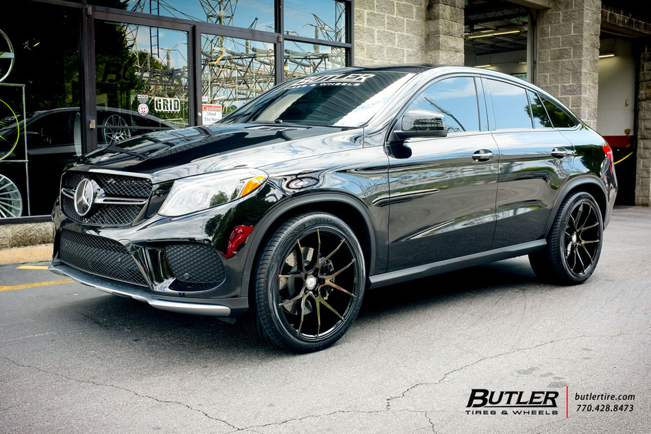 Mercedes GLE With 22in Savini BM14 Wheels Exclusively From