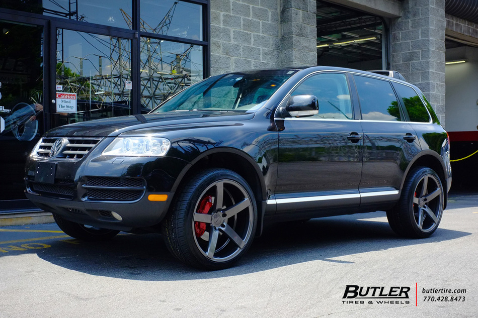VW Touareg With 22in Vossen CV3 R Wheels Exclusively From