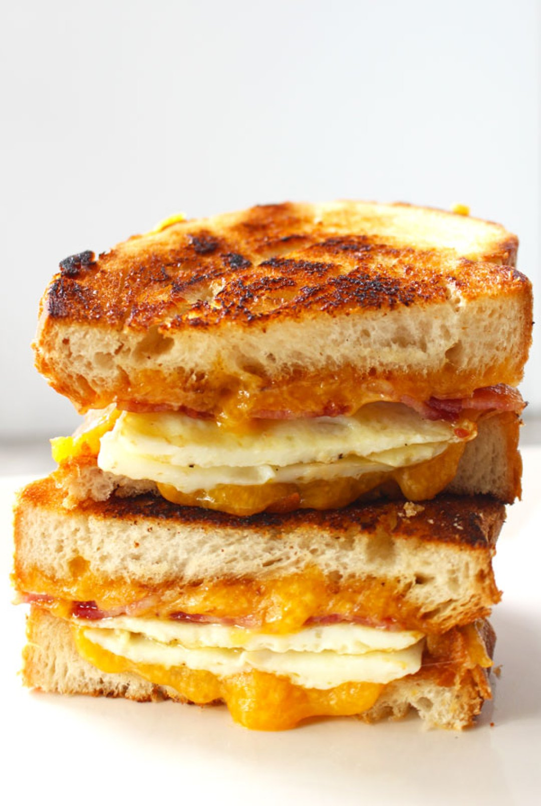 Bacon Egg Cheese Sandwich - This bacon egg cheese sandwich is so tasty, but the star of the show here is the Batard bread. | butterandthings.com