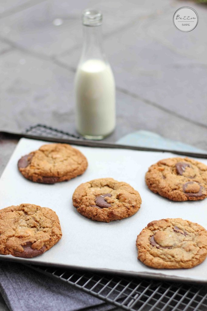 Macadamia Espresso Oatmeal Chocolate Chip Cookies | Butter Baking