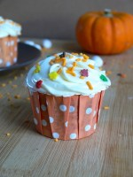 Vegan Pumpkin Cupcakes with Cinnamon Marshmallow Fluff Frosting