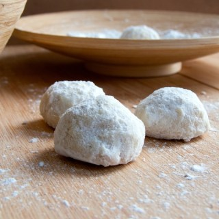 Macadamia Mexican Wedding Cookies