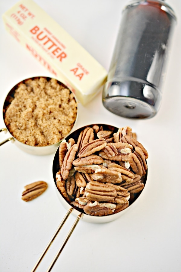 picture of ingredients to make keto candied pecans