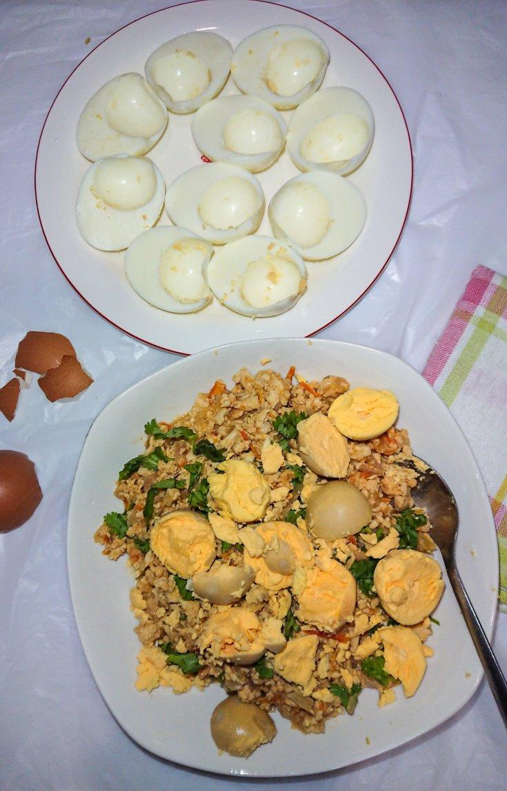 Keto deviled eggs with chicken