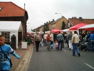 foto's rommelmarkt 2007 091