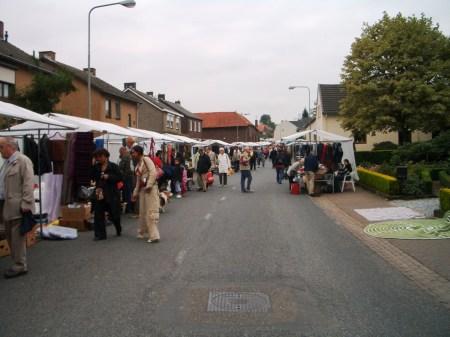 foto's rommelmarkt 2007 100