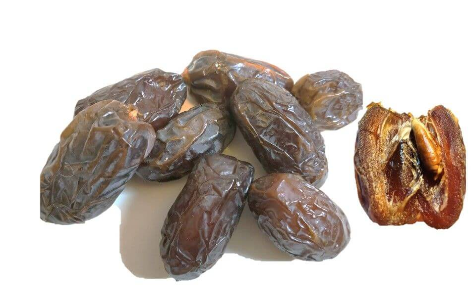 dadler XL organic medjool dates on display compressed