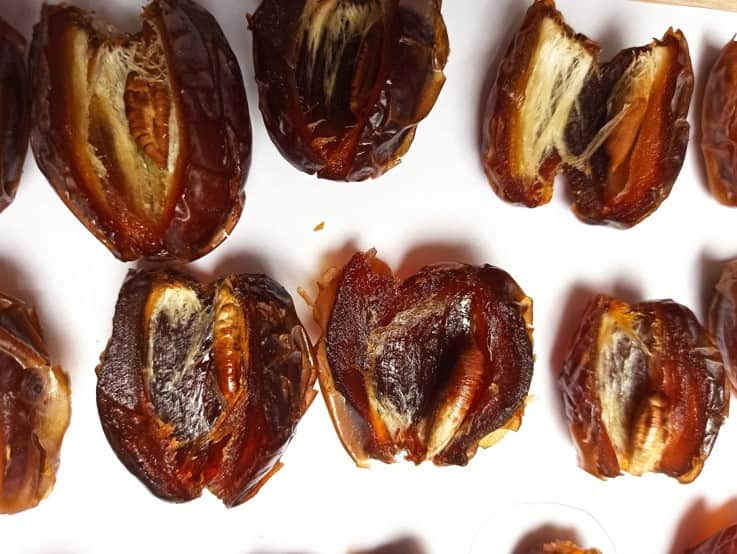 medjool Dates open min