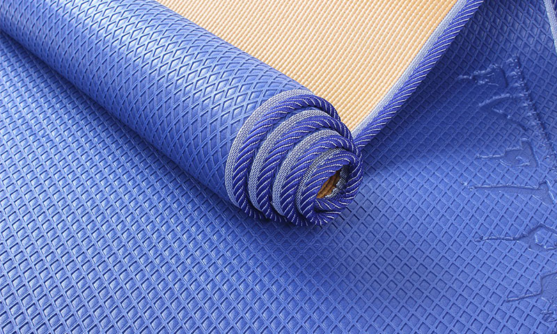 edge-covered PVC yoga mat details