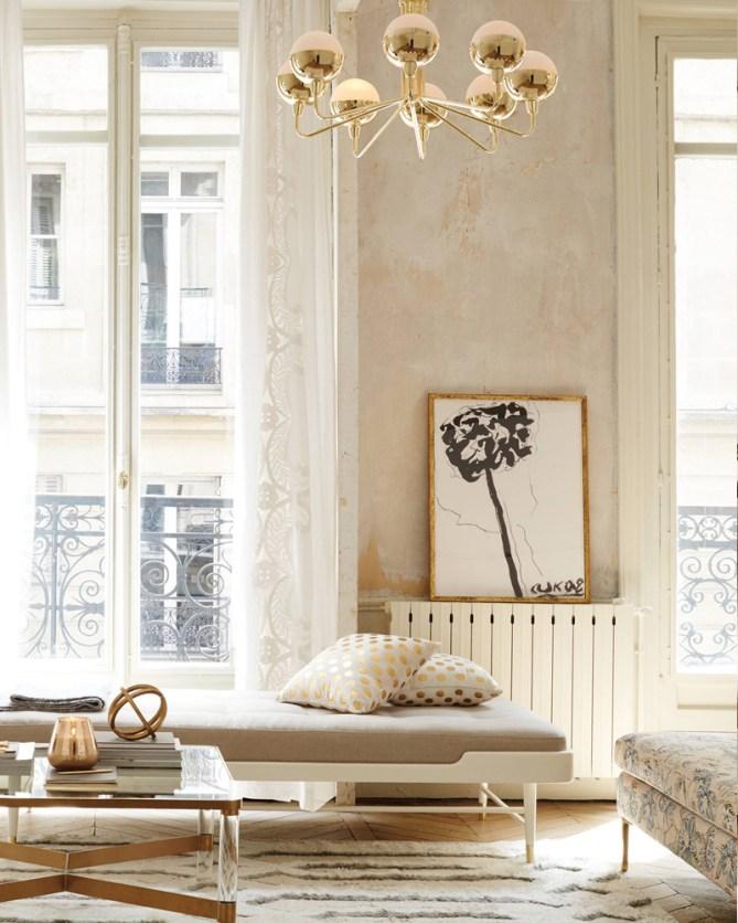 Living Room Furniture & Decor