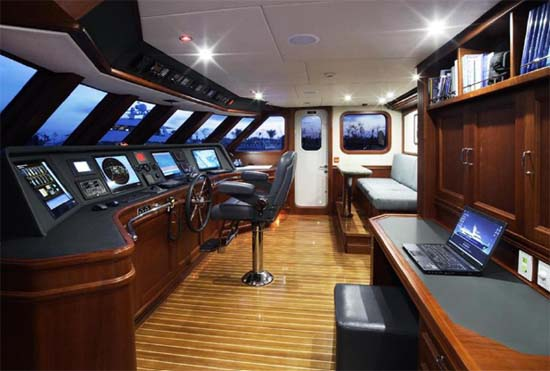 Explorer Yachts Brokerage Inace Yachts 98 Boundless For Sale