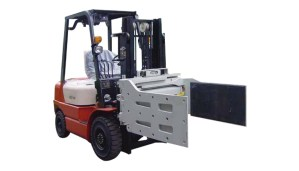 Sideshifting multi-purpose clamps for forklift