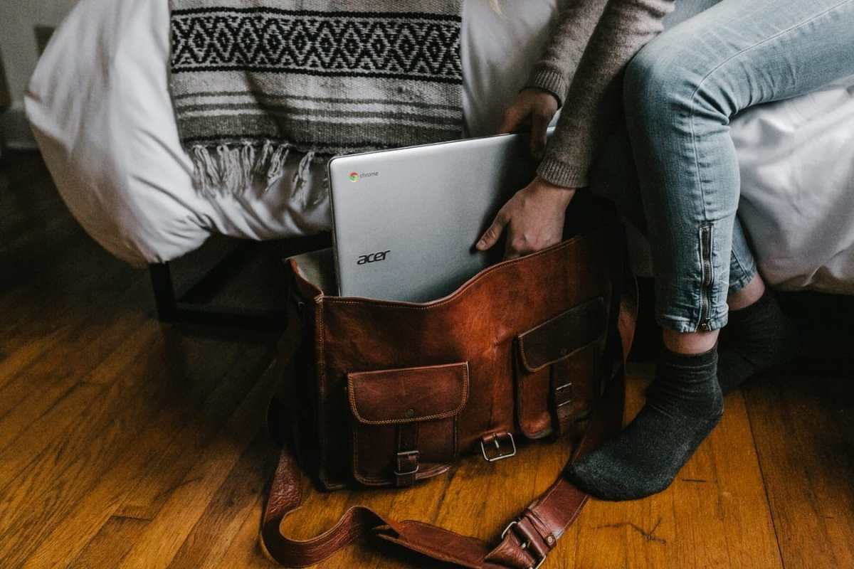 Top 10 Best Laptop Briefcases Review In 2021- A Step By Step Guide 2