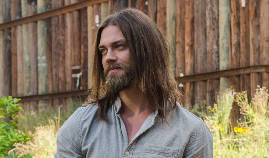 the-walking-dead-episode-705-jesus-payne-1200x707-interview