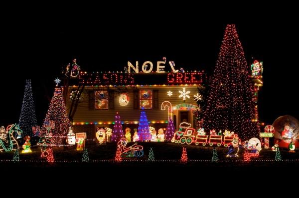 Xmas Lights fiedler-house-christmas-lights-2