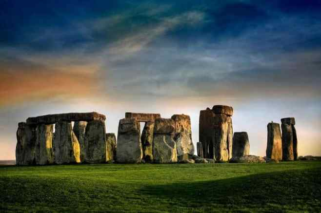 Stunning photos of 15 Famous Landmarks viewed from a distance