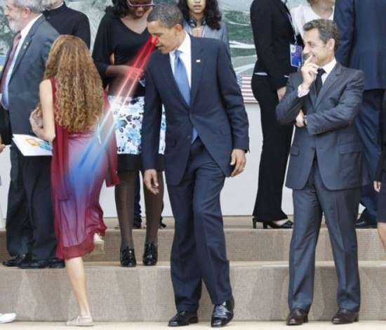 Barack Obama watching a woman's buttocks